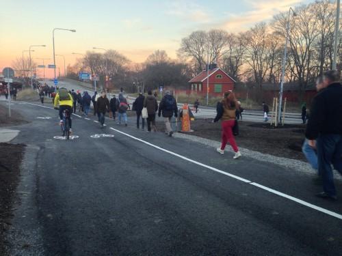 Ofrivillig morgonpromenad för många Stockholmare idag.