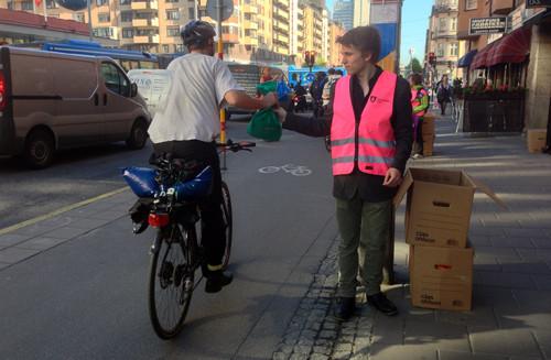 Cykla till jobbet, få en påse.