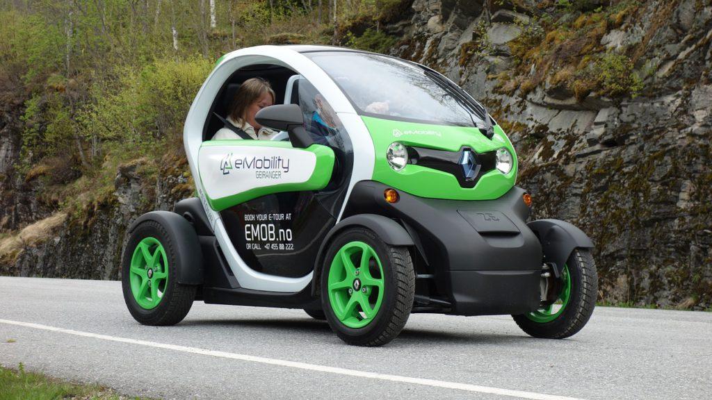 electric-car-789325_1280